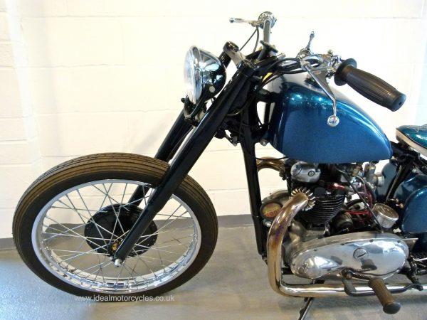 Triumph 5T Bobber